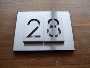 HuisnummerGigant B-01 huisnummbord 14