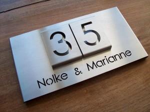 HuisnummerGigant B-02 naambord 9